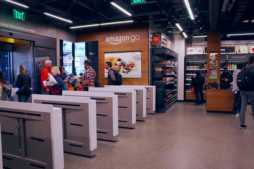 拡大を続けるアマゾン。「レジなし」技術を小売店向けに販売する方針