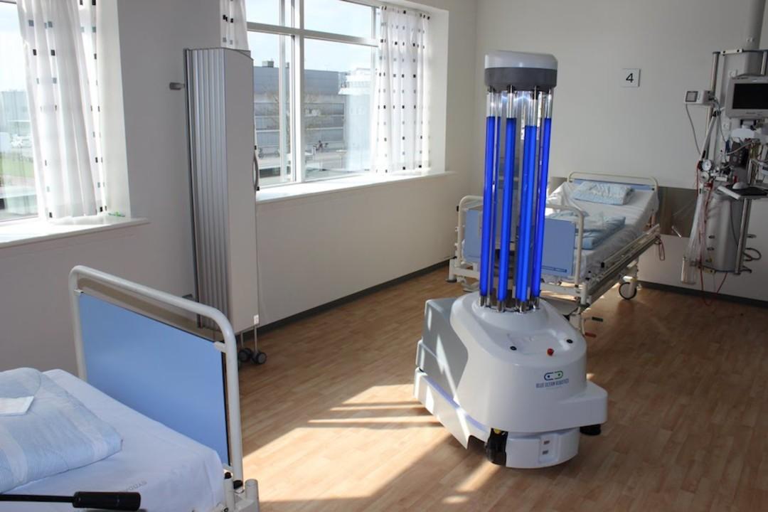 中国、コロナウイルス対策でデンマーク製の紫外線消毒ロボットを大量輸入