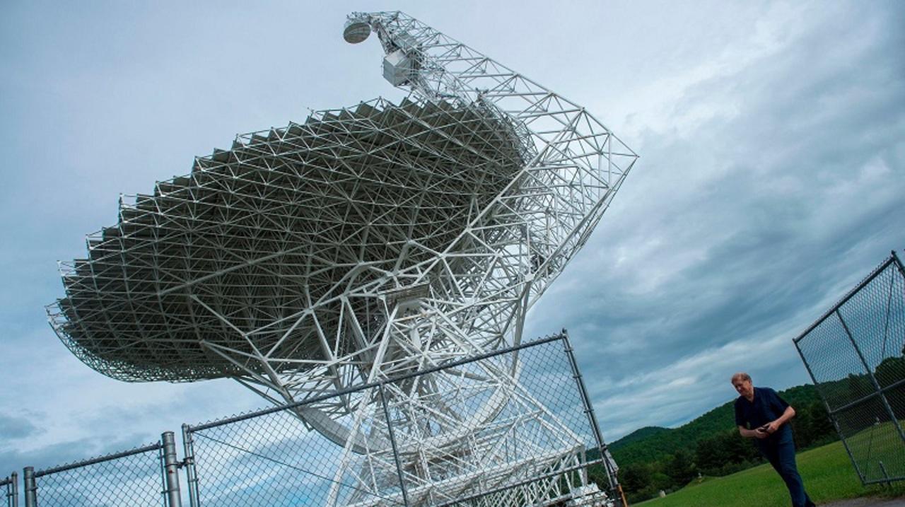 世界最大の電波望遠鏡近くにWi-Fiも携帯電話サービスも使えない町がある