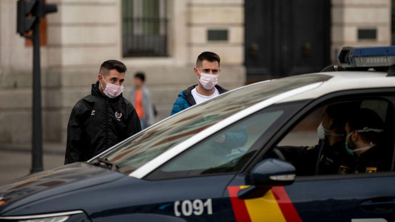 スペインもコロナで全土封鎖に。ドローンで市民に周知