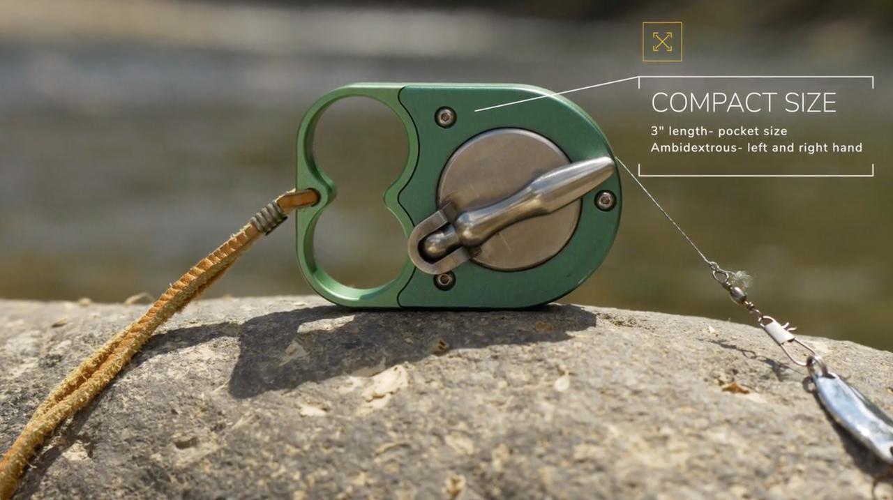 ポケットサイズなハンドリールで、さくっと手釣り。川辺キャンプに常備したいねぇ