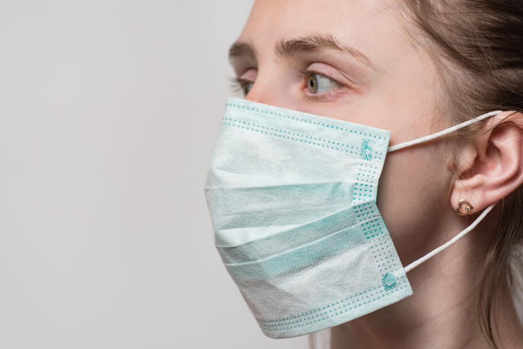 カナダの少年が「マスク、耳裏痛い問題」を解決。3Dプリンターで製作したパーツが、医療従事者を救う