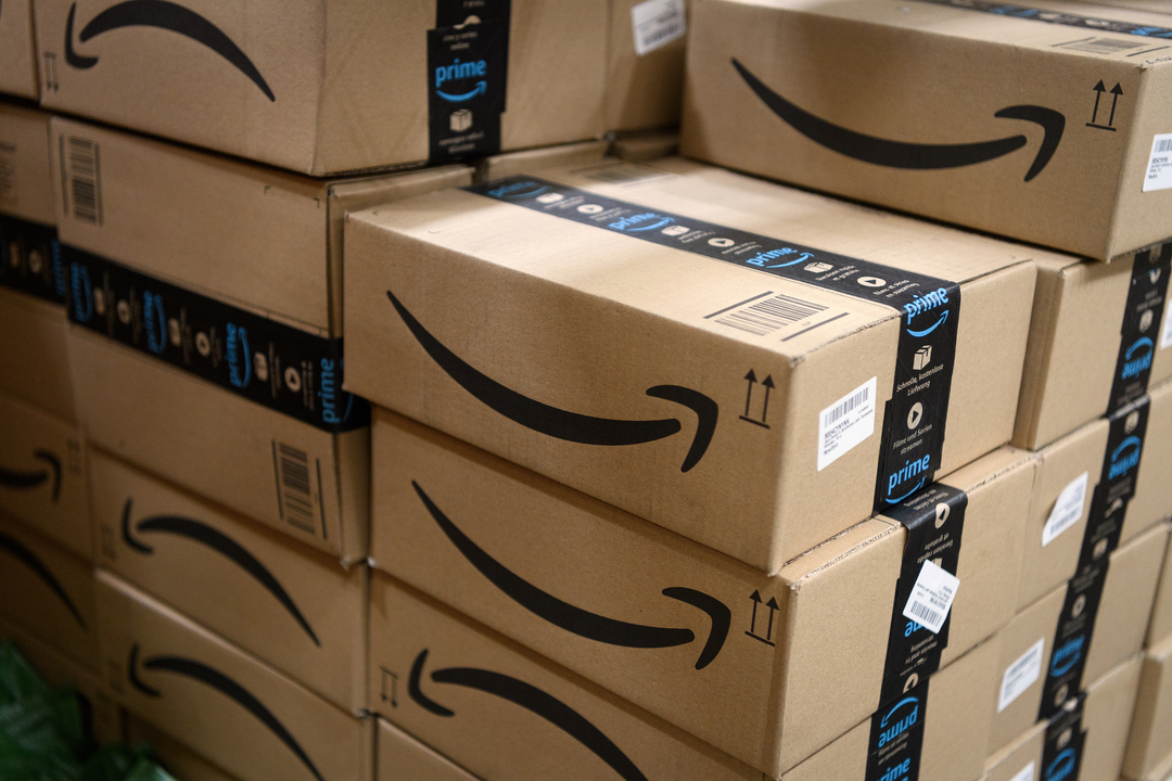 コロナ特需のAmazon倉庫で感染蔓延。内部告発者を経営陣が解雇し「頭よくない」とネガキャン