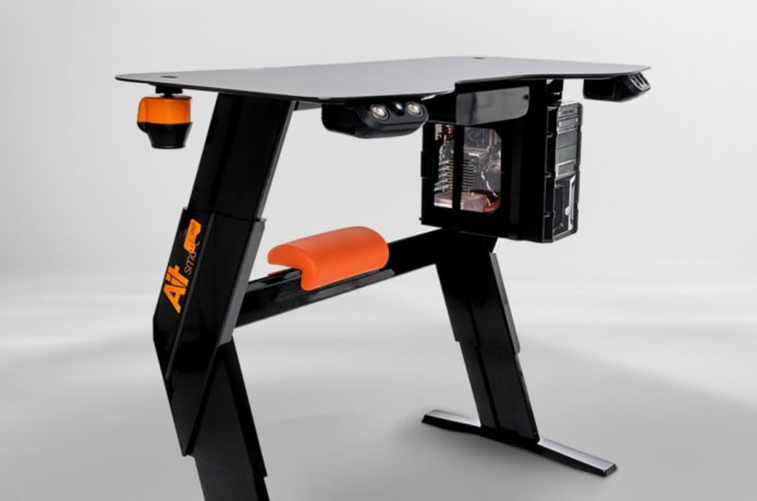 高さ調節、空気センサー、無線スピーカー、無線充電などを備えた多機能すぎるスマート・デスク