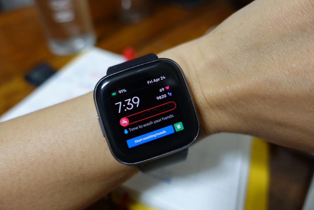 FitbitアプリにCOVID-19のページ登場。「手洗いリマインダ機能付きフェイス」が口うるさいオカンだった(いい意味で)