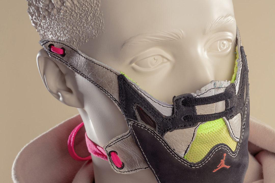 超合金ロボみたい。古いスニーカーで作ったマスク