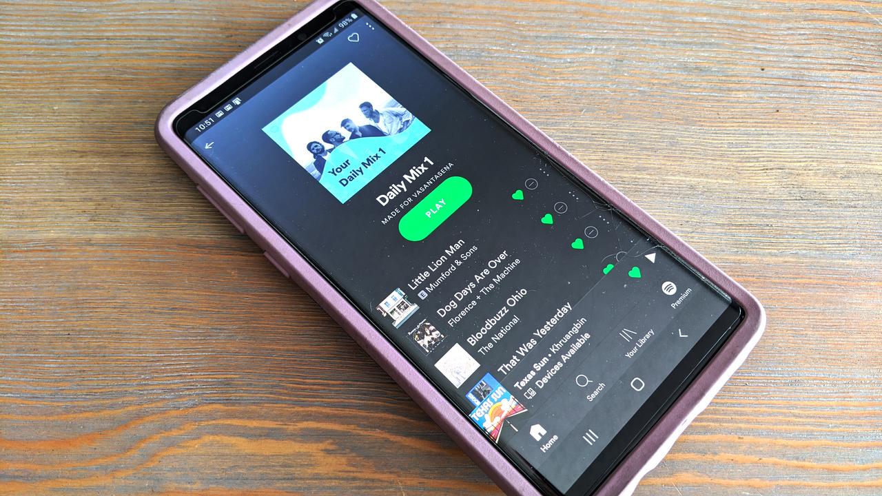 家族やルームメイトとプレイリストを操作できるSpotifyの新機能。Zoom爆弾ならぬ、Spotify爆弾の予感も…