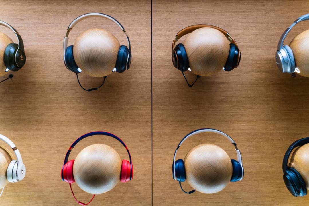 AirPods Studioには左右がない? Apple製ヘッドホンに新たな情報
