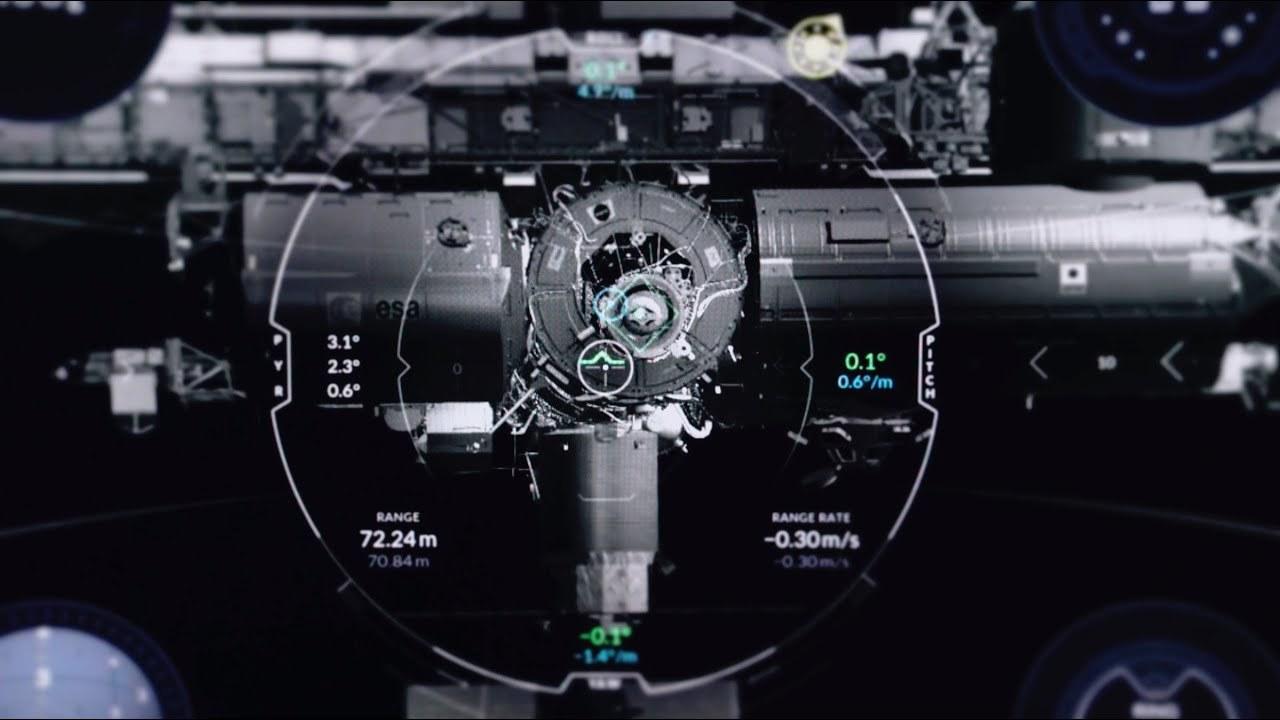 キミは宇宙飛行士になれるか? SpaceXがISSの合体シミューレーターを公開