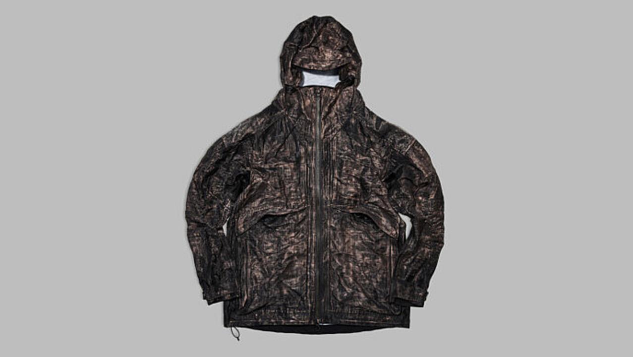 その名は「フル・メタル・ジャケット」。11kmの銅繊維で織られた抗菌ジャケット