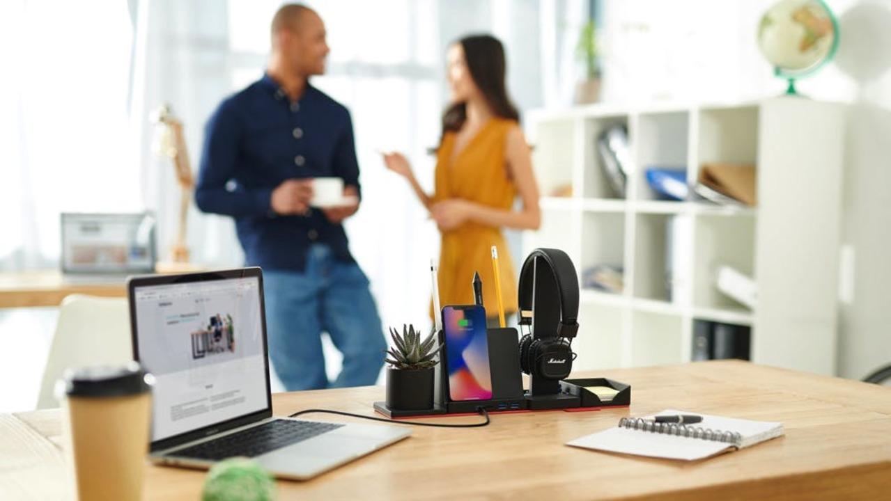 在宅勤務やオフィスにぴったり!デスク周りの12の機能を一体化した「STEALTHO」