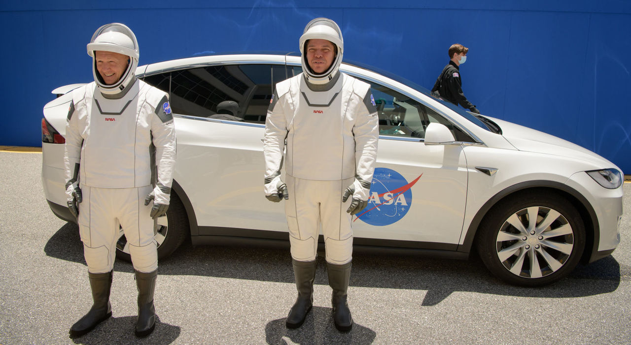 NASAとSpaceX、民間初の有人宇宙飛行へ