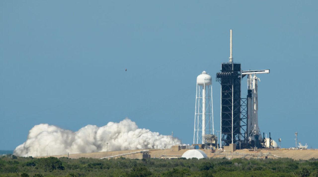 SpaceXの民間初有人ロケット打ち上げ、悪天候で3日後におあずけに