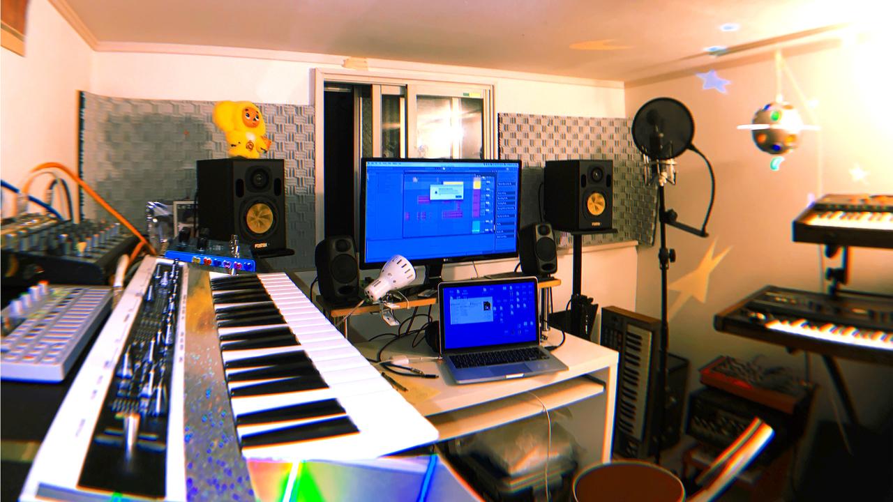Stay Roomで、音楽制作始めてみない? マイカ・ルブテが教える、音楽の楽しさとおすすめ機材
