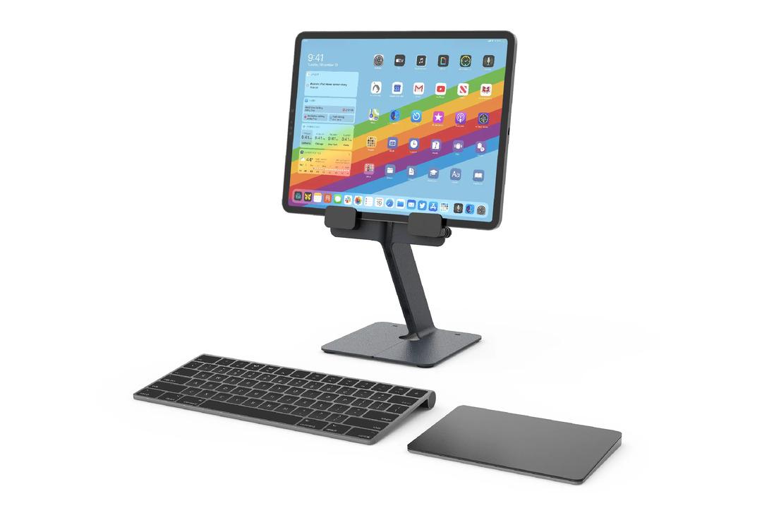 iPadをデスクトップ用ディスプレイの高さにできるシンプルなスタンド