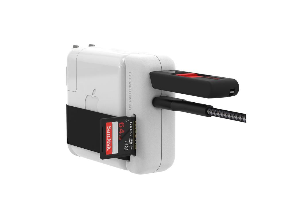 Macの電源アダプターにUSBやSDカードが差せたら便利なんだろうな〜、ちょうどこんな風に