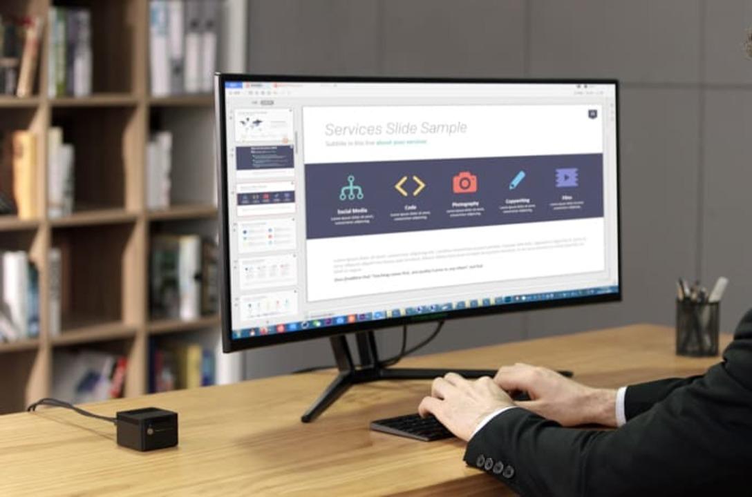 手のひらサイズの超小型デスクトップCHUWI「LarkBox」。テレビにつないでApple TVの代わりにしたり
