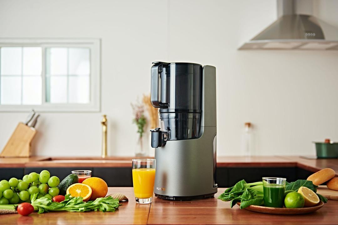食材を丸ごと投入! ワンタッチでジュースが作れるスロージューサー「H-200」