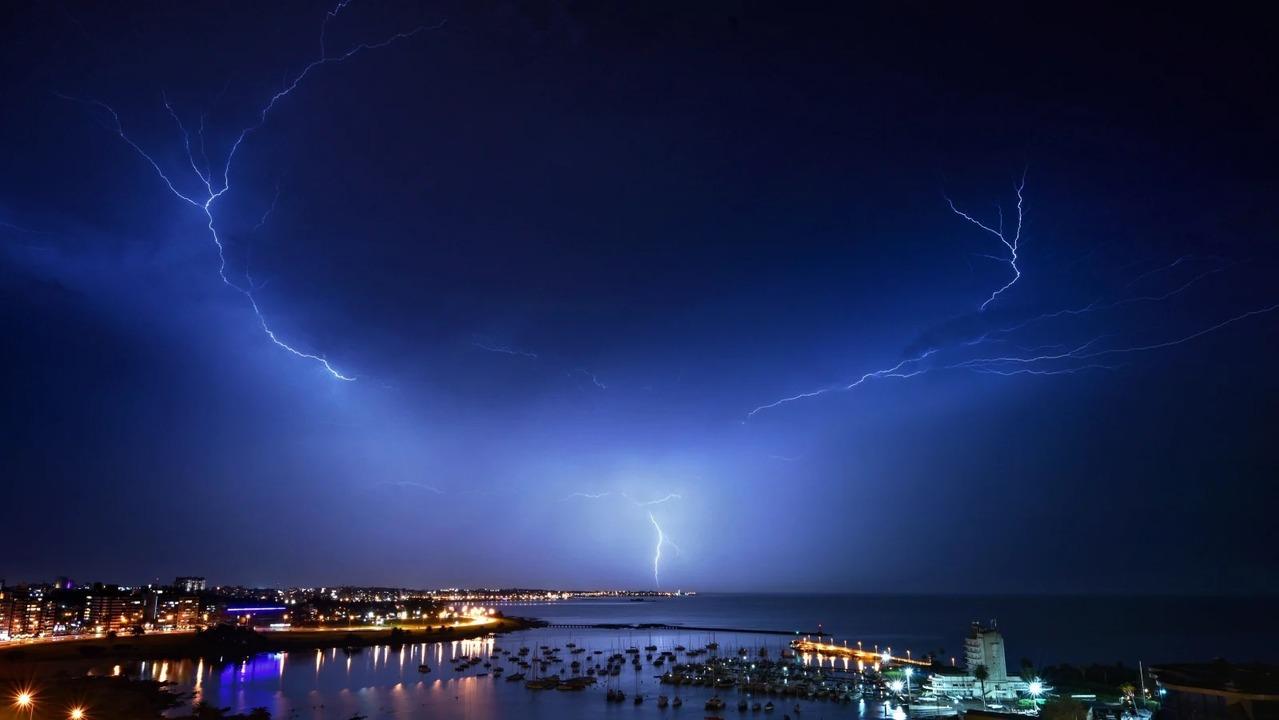 雷の持続時間、観測史上最長の16.73秒を記録。過去最長の7.74秒から大幅更新!