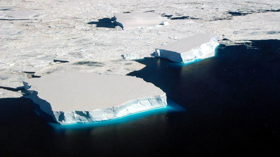 南極の海氷が解けている謎がわかった