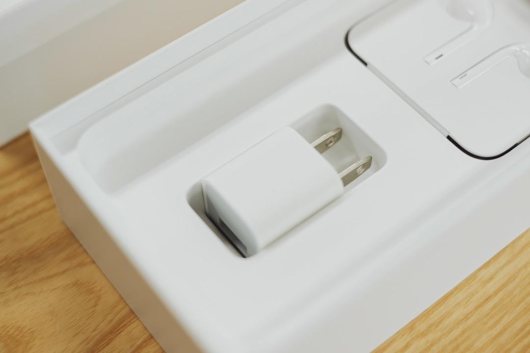 イヤホンも充電器も同梱なしと噂のiPhone 12(仮)はその分安くなる!…ことはない