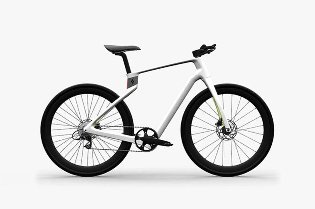 1日経たずに1億円突破。ユーザーの体型ピッタリのカーボンフレームを3Dプリント「Superstrata Bike」