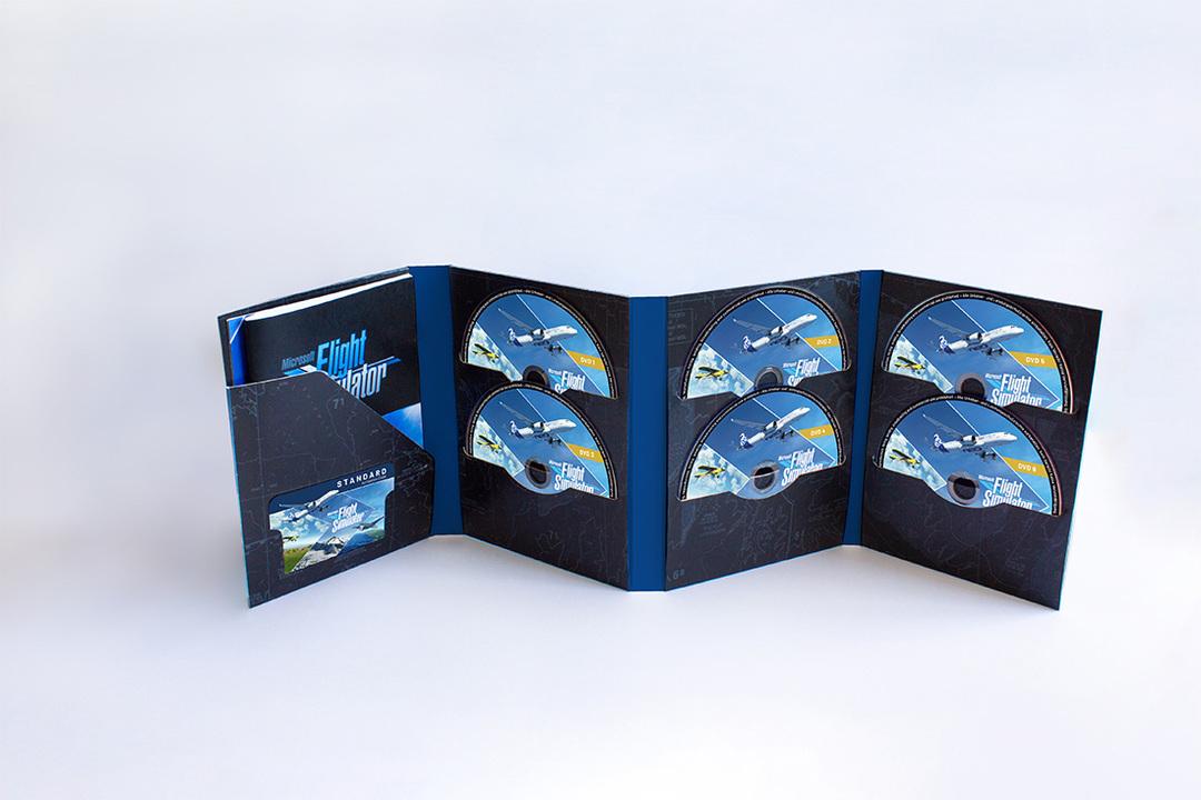 マイクロソフトの『フライトシミュレーター2020』、ディスク版は10枚セットで登場