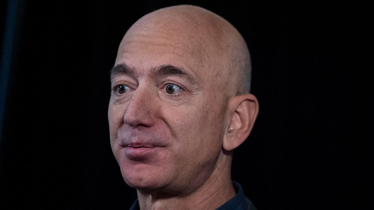 Amazonのボス、ジェフ・ベゾスは1日で1.4兆円ためこむ