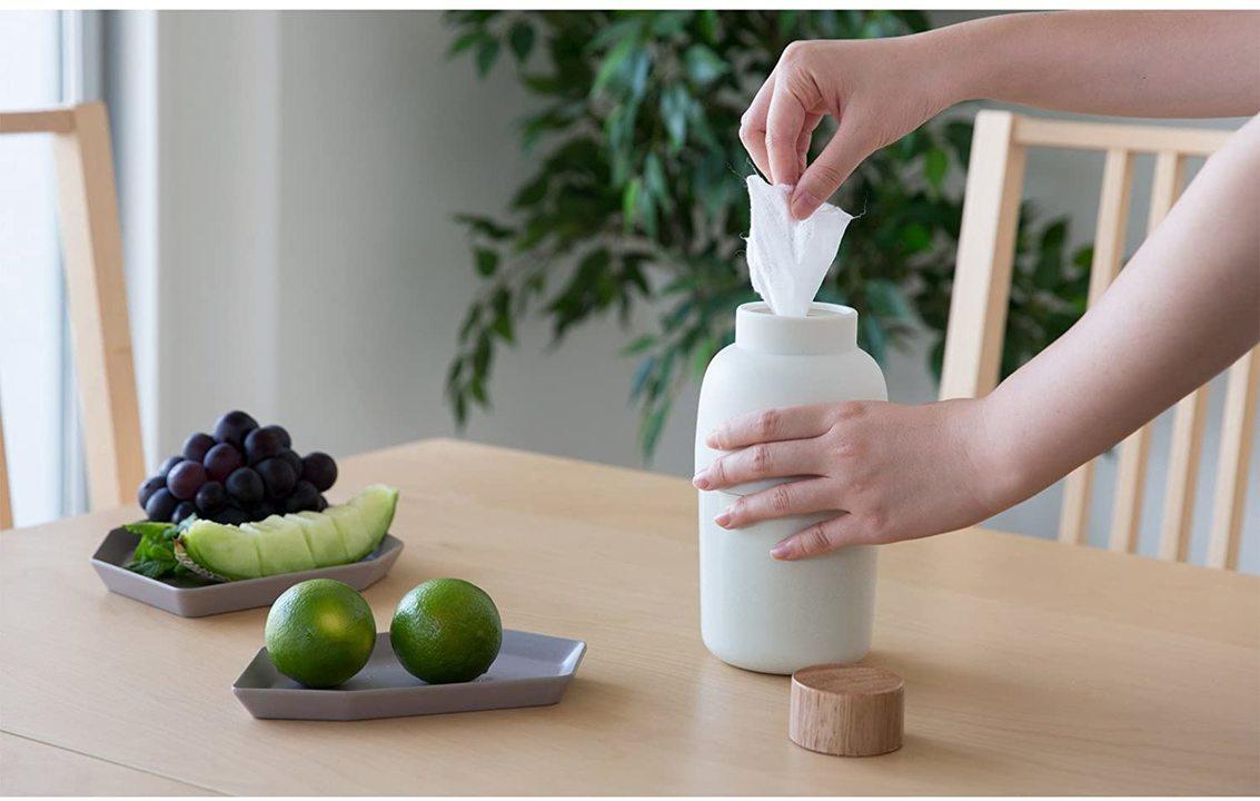 おうちをお洒落にしたいなら、まず除菌アイテムのパッケージを隠そう。