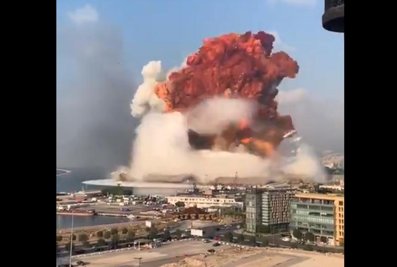 広島の悲劇から75年、ベイルート大爆発のきのこ雲に青くなる...