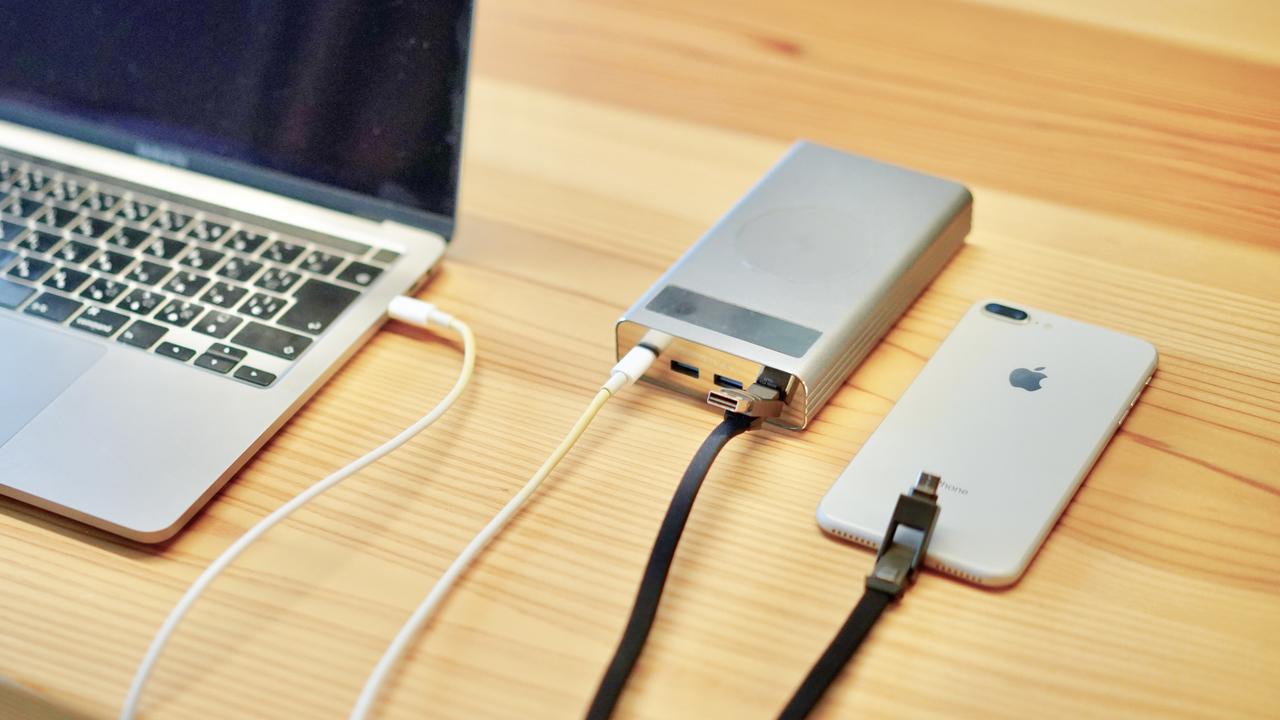 MacBook ProやApple Watchも充電できるモバイルバッテリー「Flash2.0」を使ってわかったこと