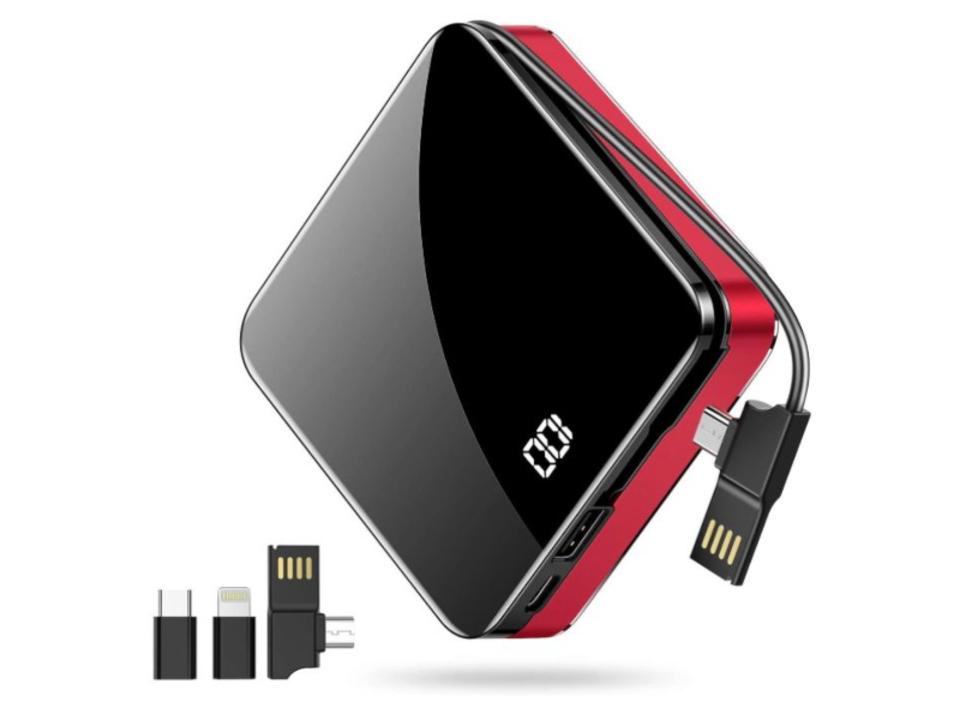 【きょうのセール情報】Amazonタイムセールで、2,000円台のコンパクトで大容量なケーブル内蔵モバイルバッテリーや4USBポート&それぞれに電源スイッチが付いたカーチャージャーがお買い得に