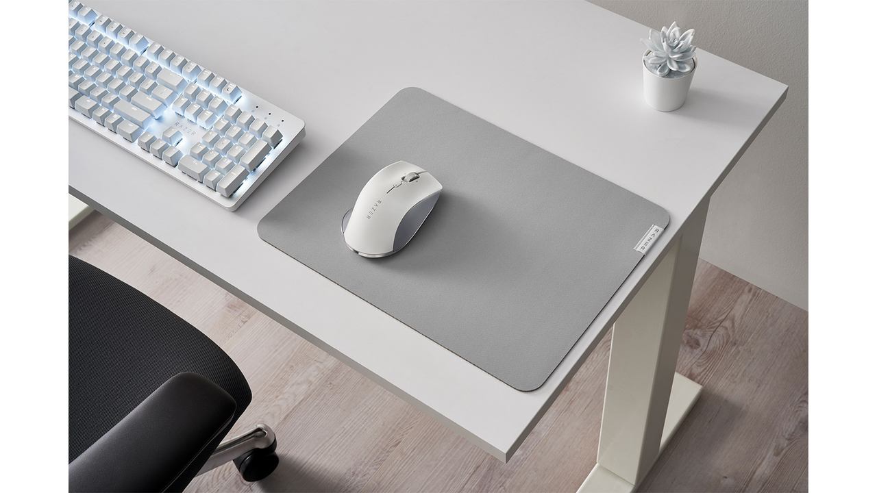 ゲーミングのRazerなのに光らない。シックなマウスとキーボードが登場