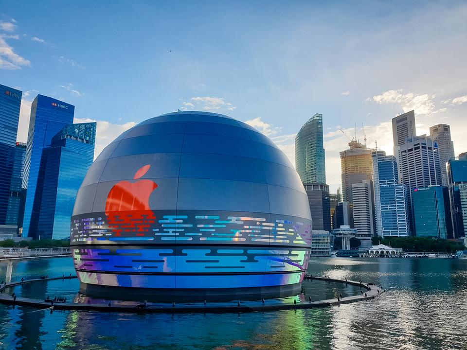 世界初! 球体&水上のアップルストアがシンガポールに近日オープン ...