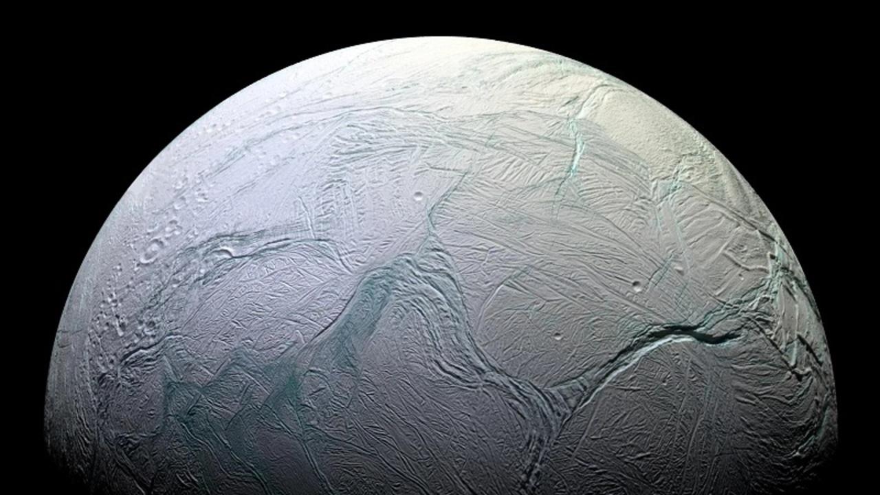 太陽系に存在する神秘的な「海」ツアー