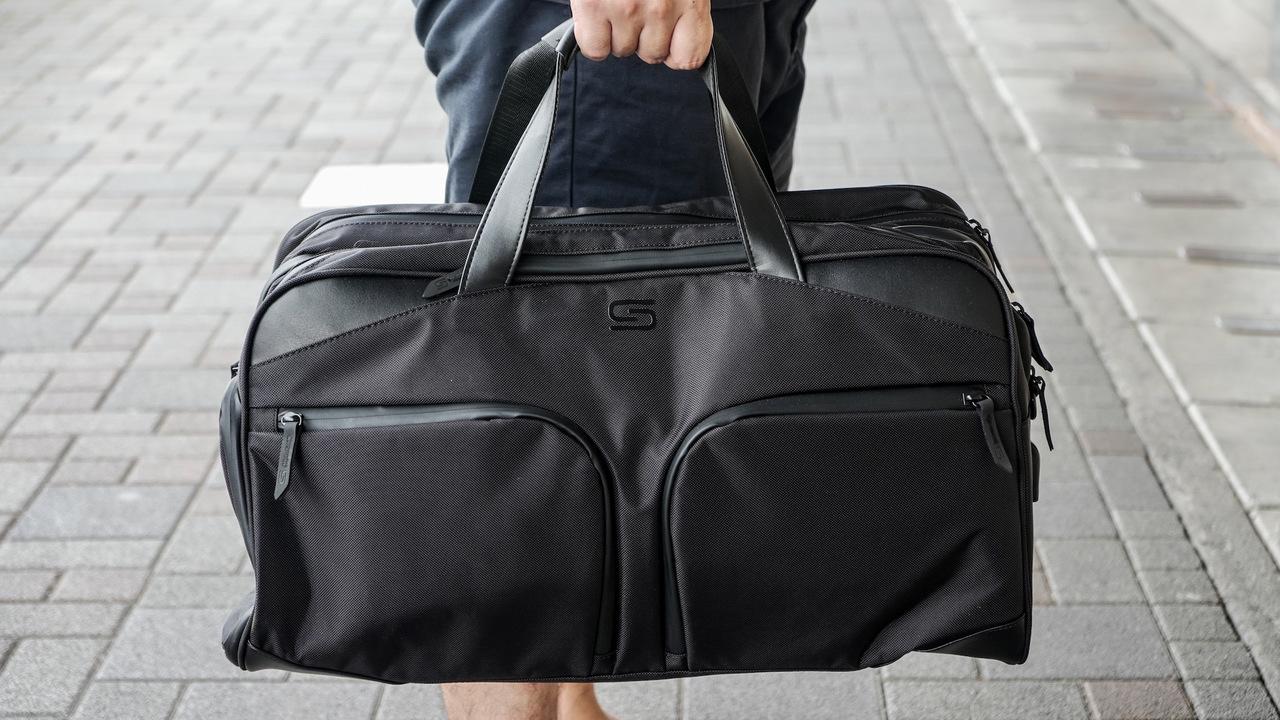 一人旅や出張にベスト! スーツに合うボストンバッグ「STERKMANN」を使ってみた