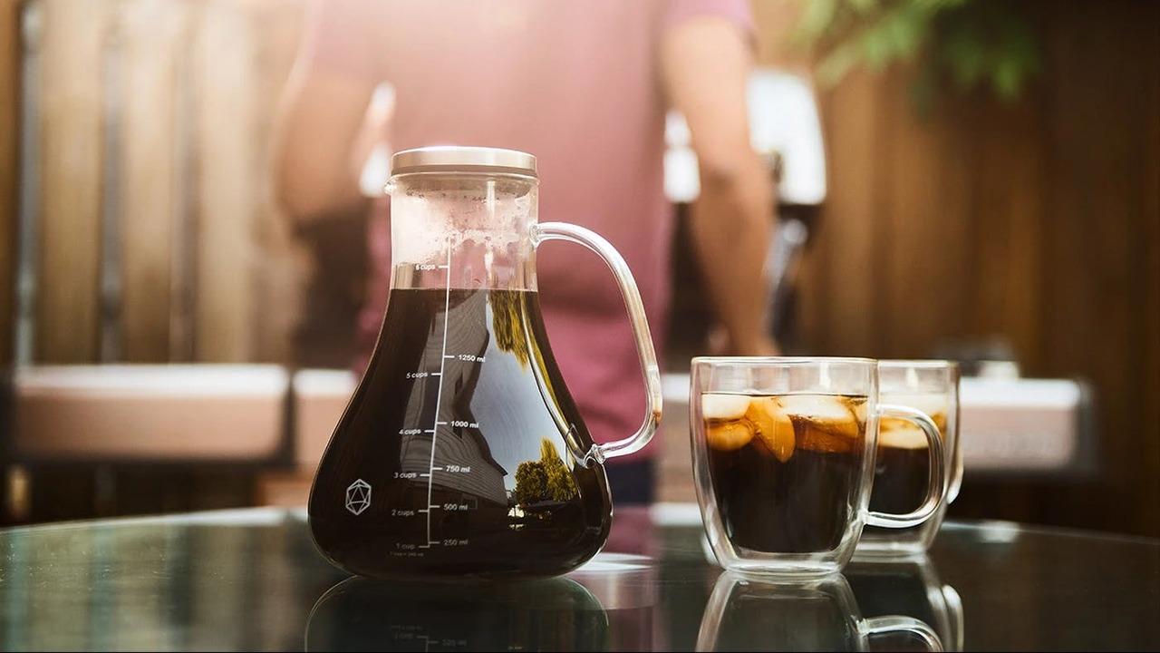 入れて寝かすだけ! 誰でも簡単に美味しいアイスコーヒーが楽しめる水出しコーヒーメーカー「ARCTIC」