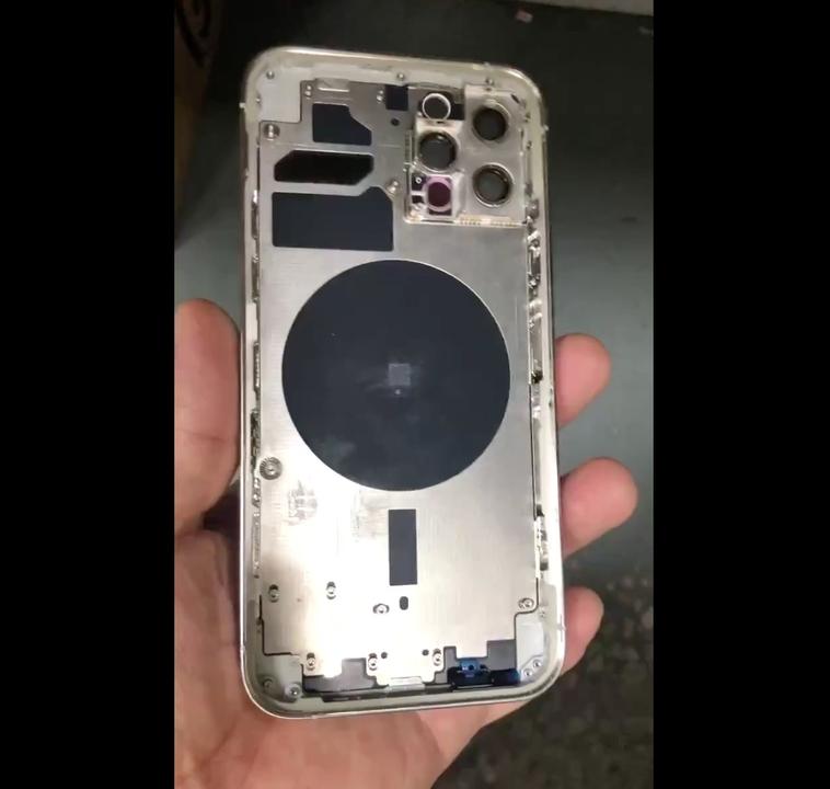 iPhone 12 Pro(仮)の筐体がリーク。6.1インチモデルにもLiDARありそう