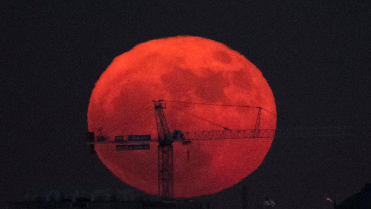 NASAによって月に持ちこまれようとしているもののひとつ:キャピタリズム