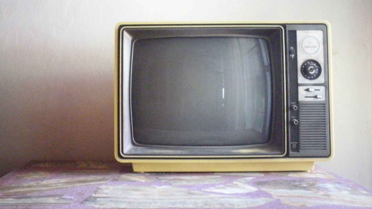古いテレビの発するSHINE電波で村全体のネットがダウン