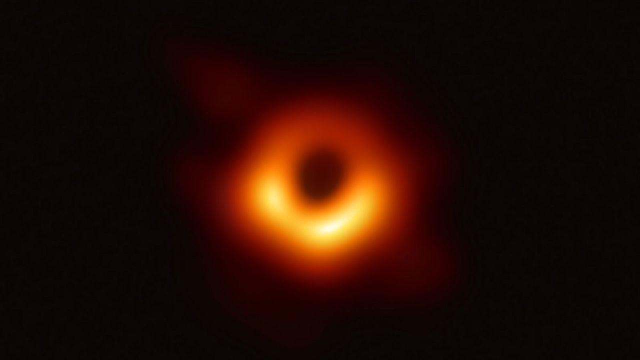 ブラックホール撮影に成功したEHTチーム、新たな研究で明かす「不安定さ」とは