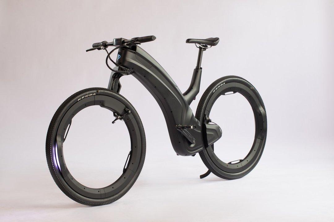 タイヤがただの輪っか! ハブもスポークもない未来のeバイク「beno」