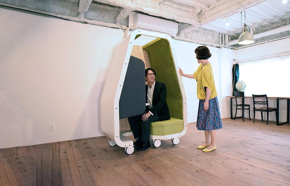 コロコロ移動できる個室。コロナ時代に合わせたお一人様用オフィス「C-Booth」