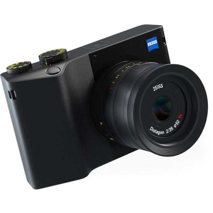 Lightroom CC内蔵のツァイスデジカメ「ZX1」がついに予約開始。お値段は6000ドル