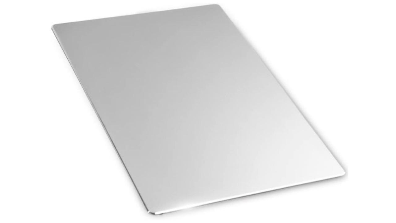 実用性とデザイン性を合わせ持つ、アルミ合金製のマウスパッド
