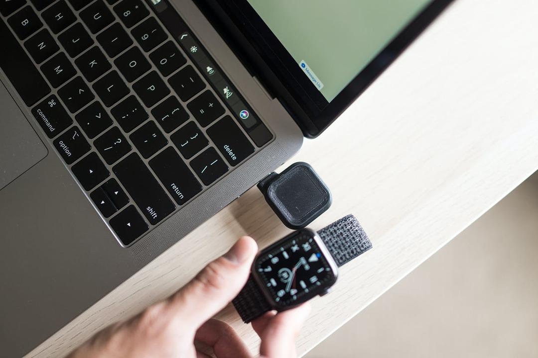 PCやタブレットからサッと充電できる! 500円玉サイズなApple Watch充電器のキャンペーンが終了間近