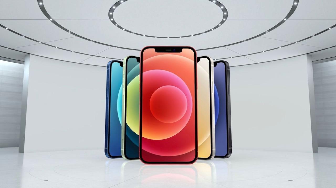 iPhone 12シリーズ、歴代iPhoneの中でもかなり薄い #AppleEvent