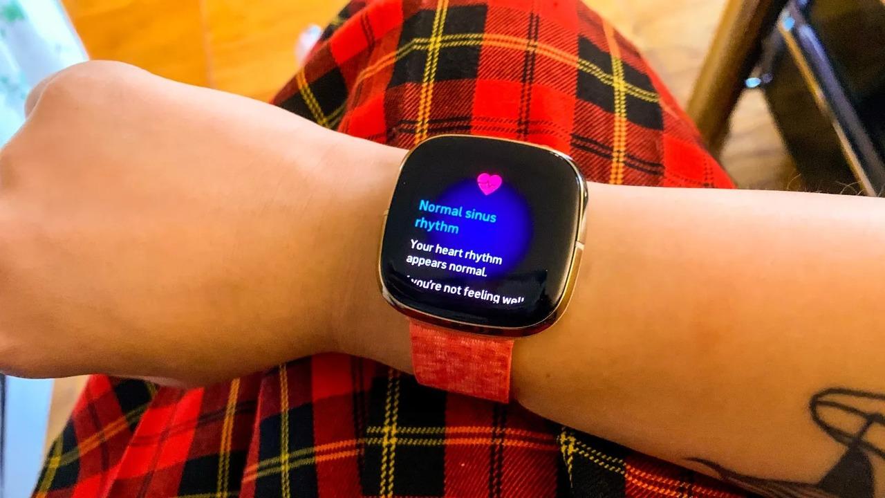 日本でも認可はよ! Fitbit SenseでECGを取得する方法
