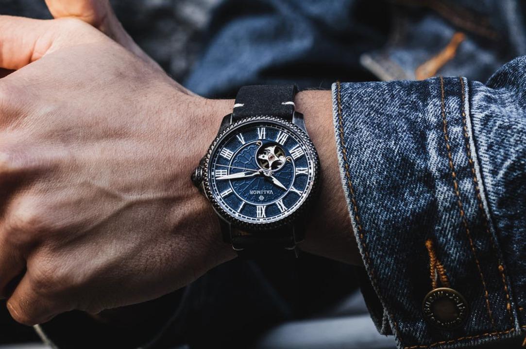 重厚感のあるデザイン! ゴシック建築がモチーフの機械式腕時計のキャンペーンが終了間近
