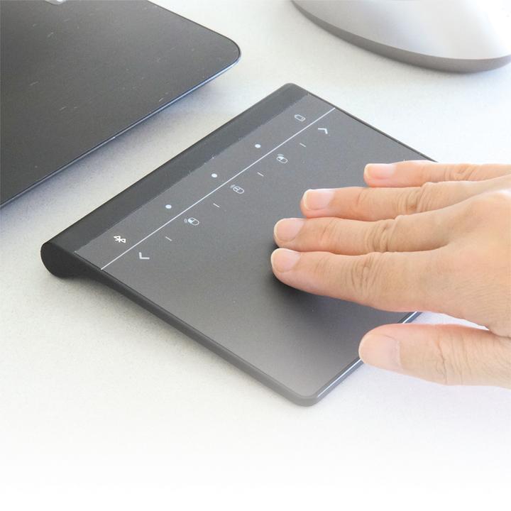 直感的操作を可能にする。Windows 10専用の無線タッチパッド